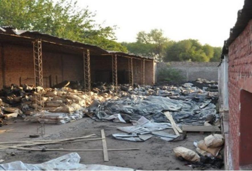 """""""Carbón blanco"""" en un depósito de J. V. González, donde traficantes almacenaban y transportaban cocaína desde nuestro país hacia Europa."""