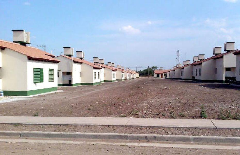 En Metán y San Lorenzo unas 350 familias recibirán sus nuevas casas del Instituto Provincial de la Vivienda.