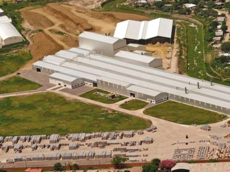 Hoy los concejales realizarán una inspección en la planta industrial de Cerámica Alberdi.