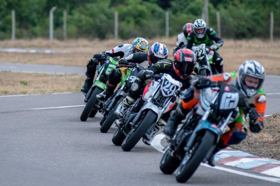 La monomarca de motociclismo FZ16, presentará cuatro categorías esta noche en Campo Santo.