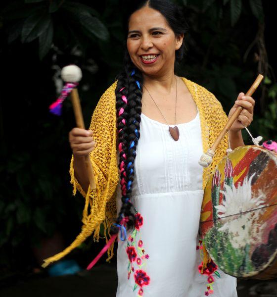 """La coplera Mariana Carrizo, vuelve al escenario local de la Casa de la Cultura con su espectáculo """"Libre y dueña""""."""