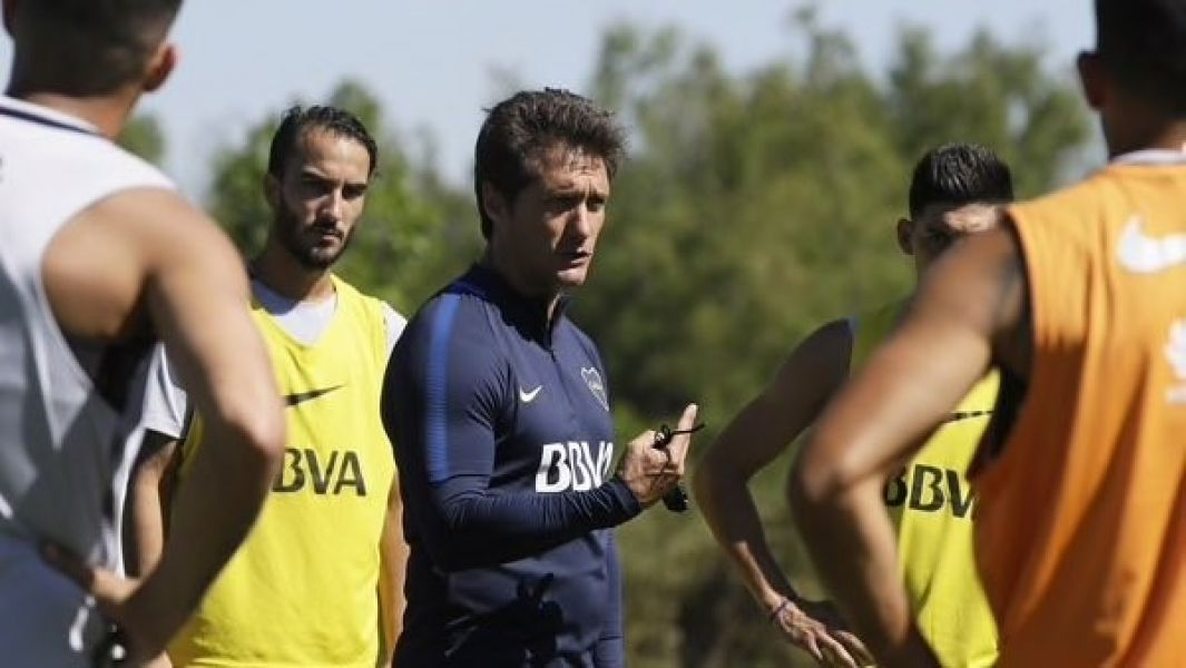 "El DT del ""Xeneize"" no guarda nada para la Supercopa."