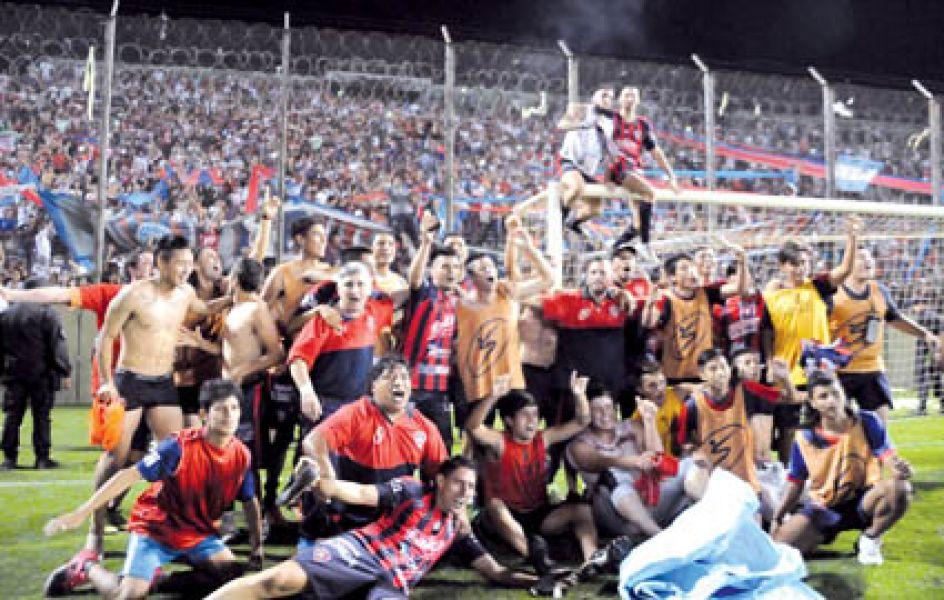 Los jugadores quedaron en la historia grande del club al lograr el título  más 4977daf6a1fff