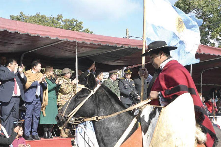 A la localidad Río Piedras, en el departamento de Metán, declarada capital provincial por el 9 de julio, asistió el vicegobernador Miguel Isa.