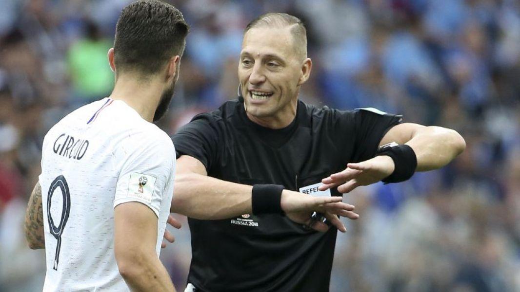 Pitana se convierte en el segundo árbitro argentino en dirigir una final, igualando lo que hizo Horacio Elizondo en Alemania 2006.