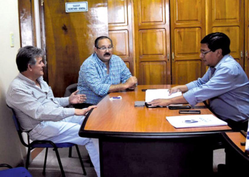 El legislador nacional Sergio Leavy con el dirigente de SADOP, Mario Palavecino.