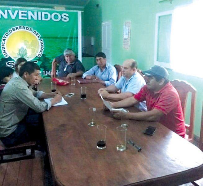 El acuerdo salarial de obreros del tabaco, que tiene carácter de histórico, alcanza a todas las empresas tabacaleras.