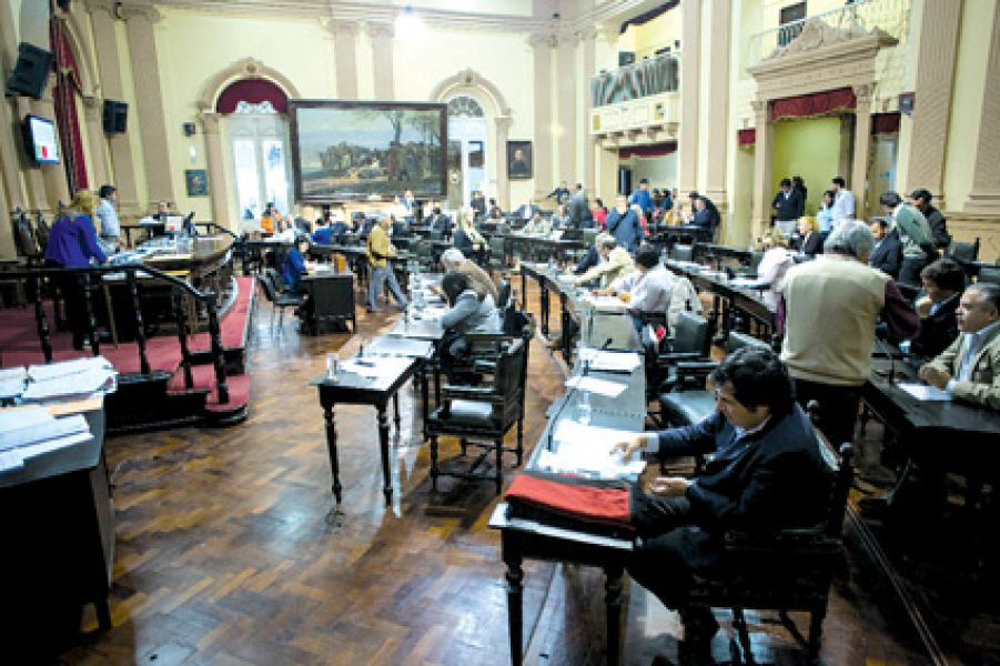 Con diversos temas de índole laboral y social para tratar, se desarrollará hoy una nueva sesión en la Cámara de Diputados.