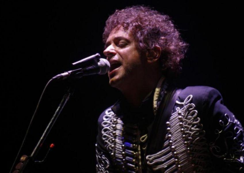 El cantante argentino Gustavo Cerati durante un concierto en Caracas, Venezuela, el 15 de mayo de 2010. (foto Reuters).