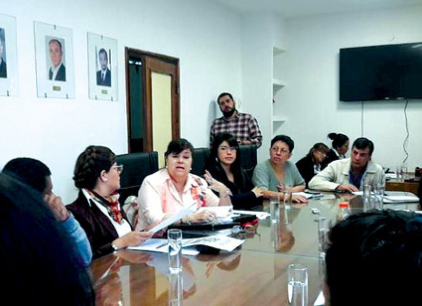 Noralí Palacios en el CD contó que decidió seguir la lucha contra las antenas ante la pérdida de dos de sus hijos de 34 y 42 años por cáncer.