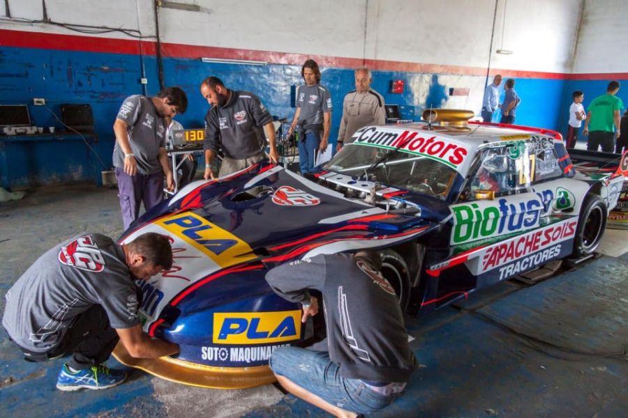 El equipo de Esteban Cístola trabajan en el Ford del salteño