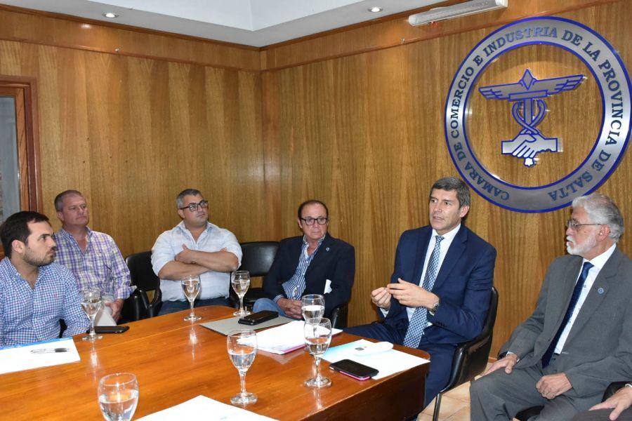 El Jefe de Gabinete Fernando Yarade se reunió con referentes de la Cámara de Comercio para realizar un balance del año.