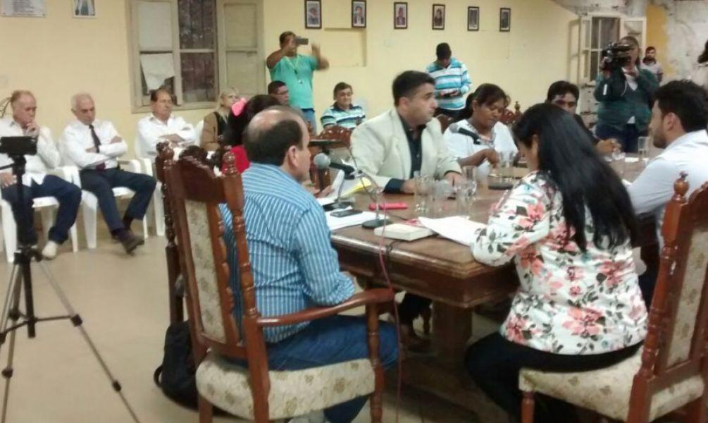 López Arias había asistió a la toma de juramento de la concejal electa Nidia Vaca, luego que se hiciera lugar a un recurso de amparo.