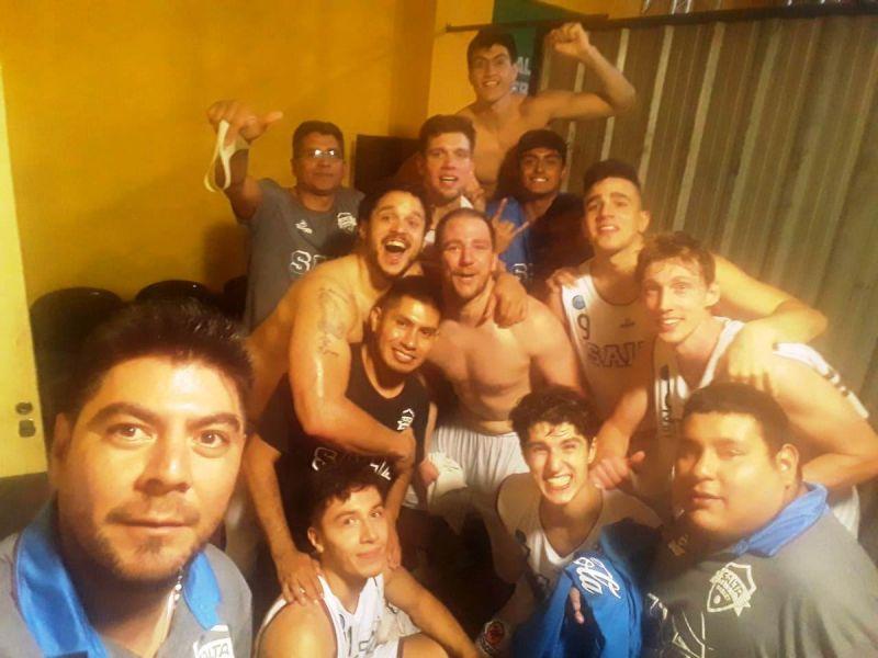 Salta Basket festeja un nuevo triunfo de visitante. Anoche vencieron a Ceres 91-87.