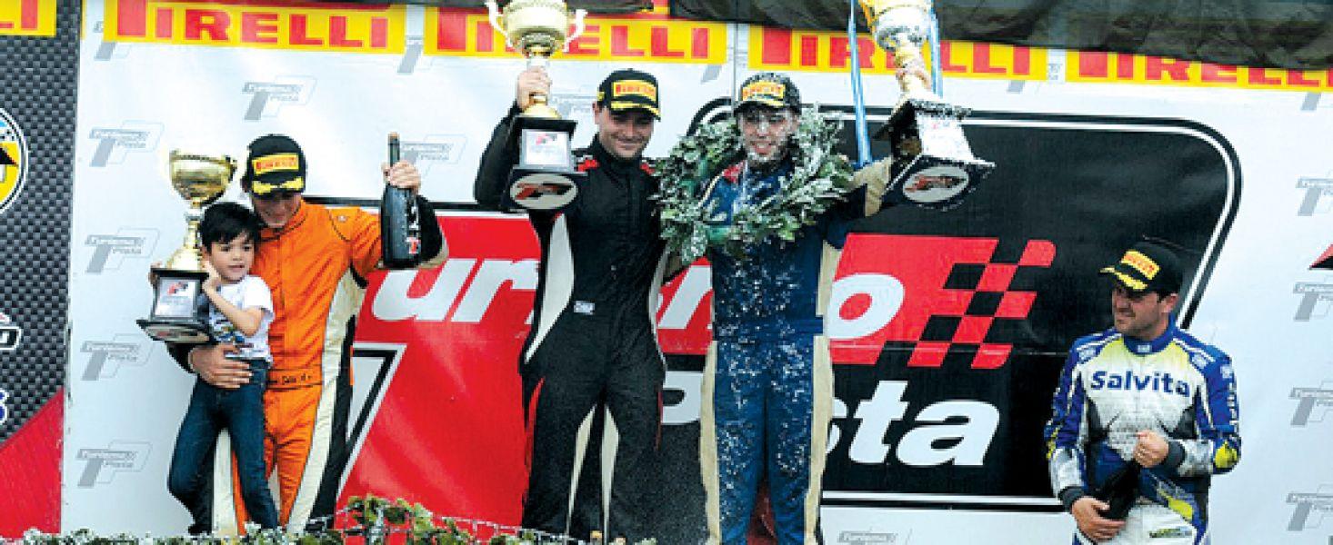 Pablo Vuyovich a la derecha, finalizó tercero en Paraná y cuarto en el campeonato.