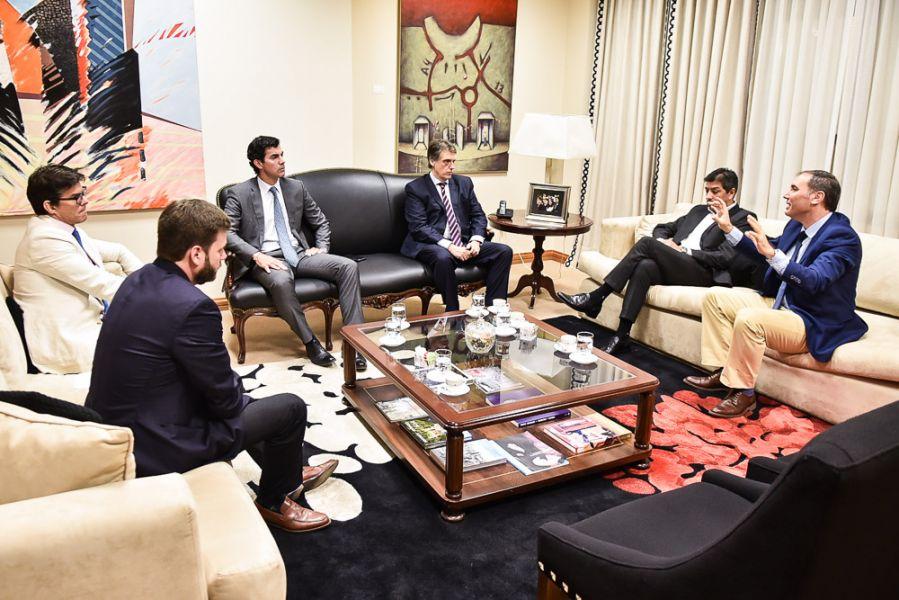 Urtubey se reunió con referentes de Refinor y gestionará ante la Secretaría de Energía la sustentabilidad de la actividad petrolera.