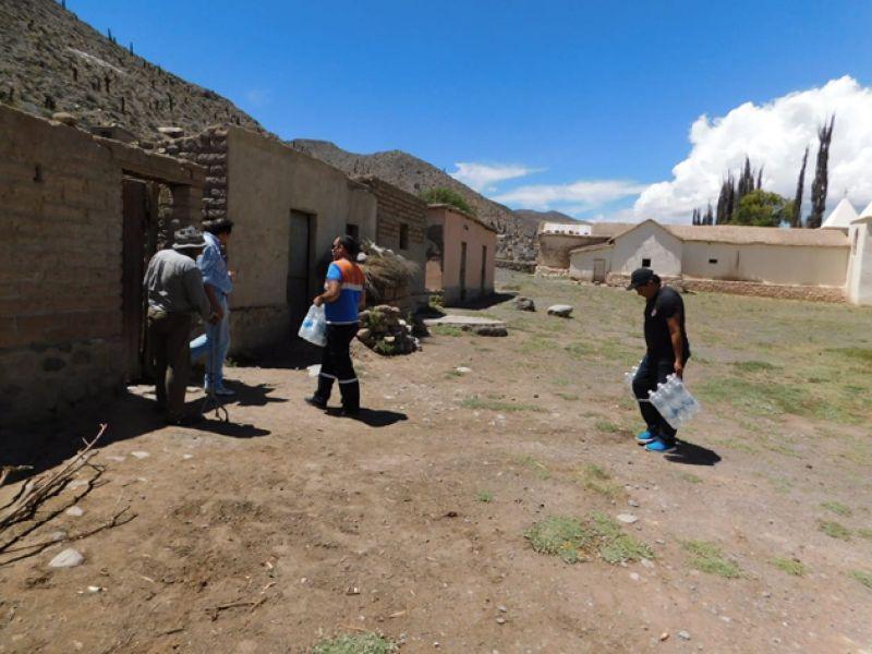 Los operativos  reforzaron la distribución de agua potable en la Quebra- da.
