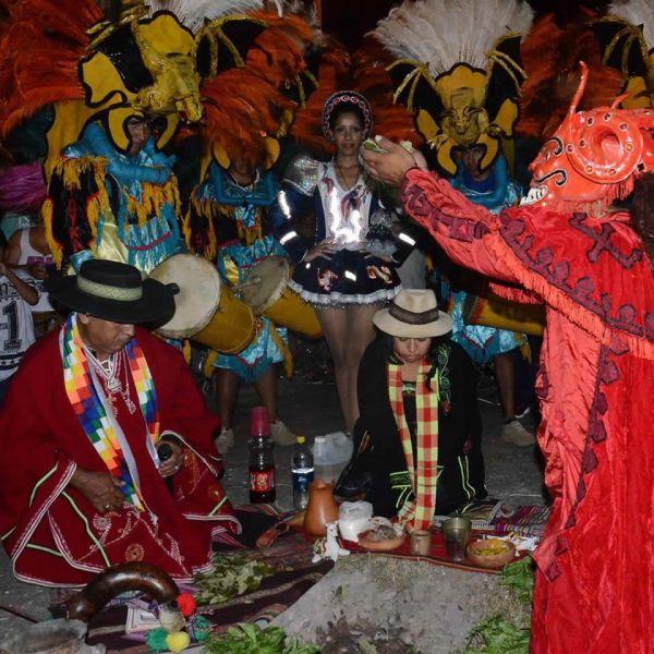 La edición 122 del carnaval salteño está en marcha, y el inicio de los festejos carnestolendos lo marca la ceremonia del desentierro del sábado.