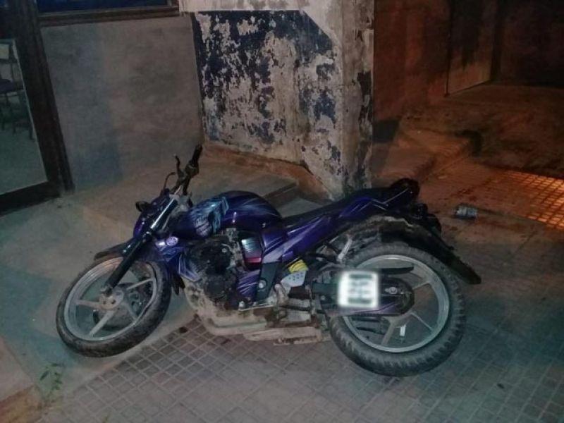 El joven falleció al perder el dominio de la motocicleta Yamaha FZ.