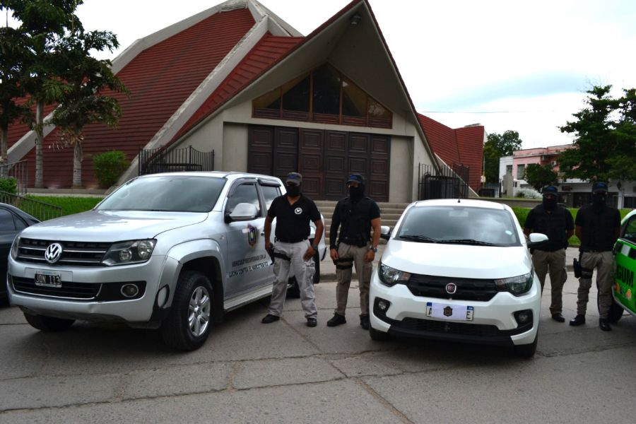 Cuatro automóviles y dos camionetas se suman en Orán para combatir a narcocriminales.