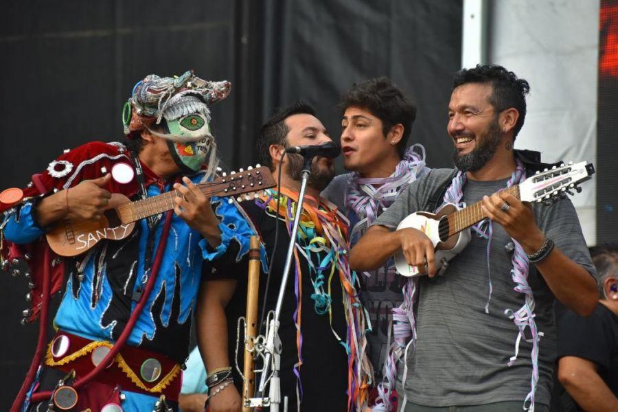 El domingo 13 de enero en la carpa La Pacha, el carnaval de Los Tekis. Junto a ellos Chambao, Néstor en Bloque, Cachumba y Brian Lanzelota.