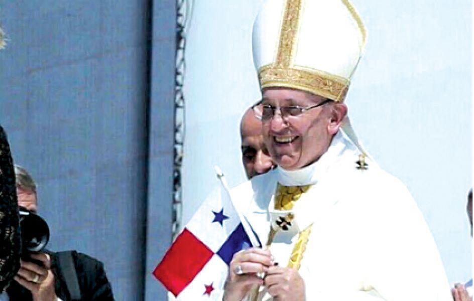 El Papa ya está en Panamá, donde hablará temas de la región como la pobreza, la corrupción y la emigración.