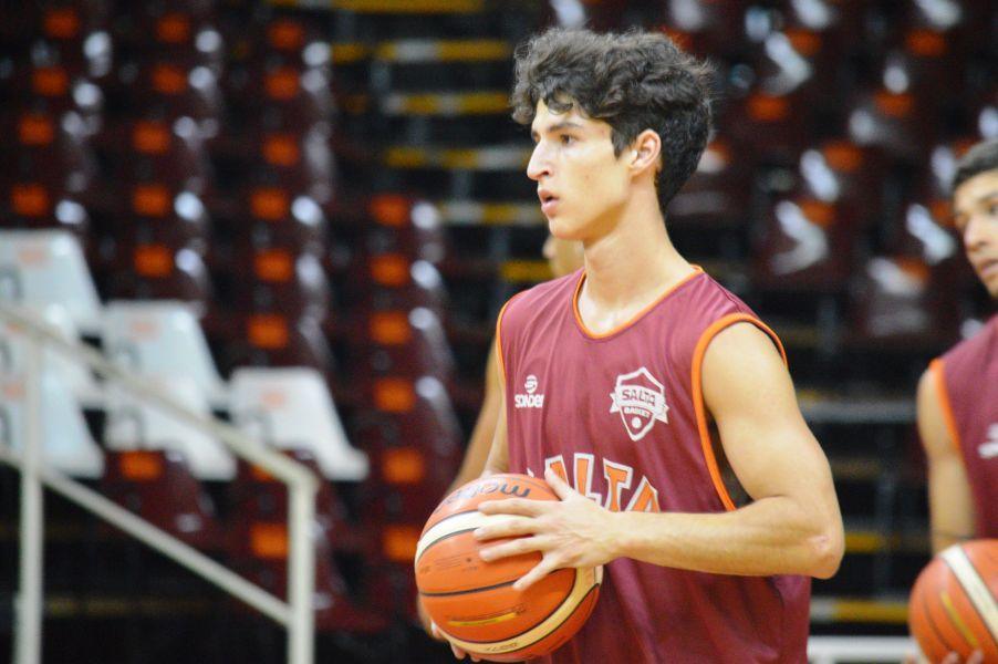 Facundo Dellavalle, base de Salta Basket.