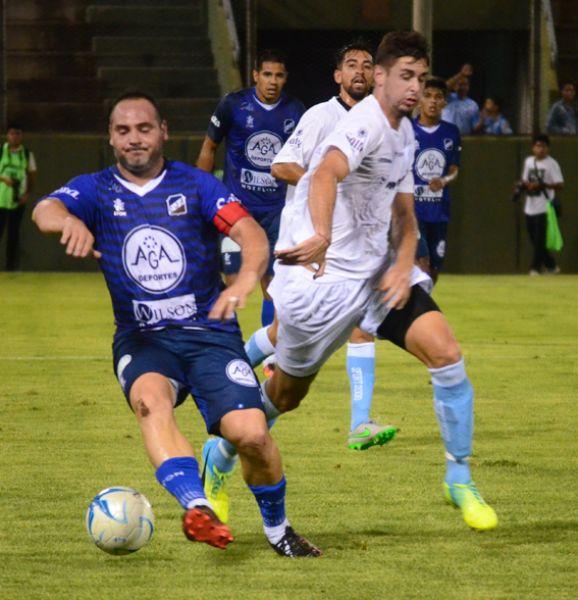 Leandro Zárate, viajará a Formosa, pero es duda su participación, ya que se recupera de una lesión.
