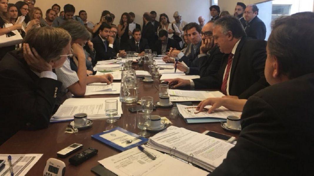 Has dificultades para reunir a todos los miembros de la Comisión Bicameral Permanente de Trámite Legislativo.