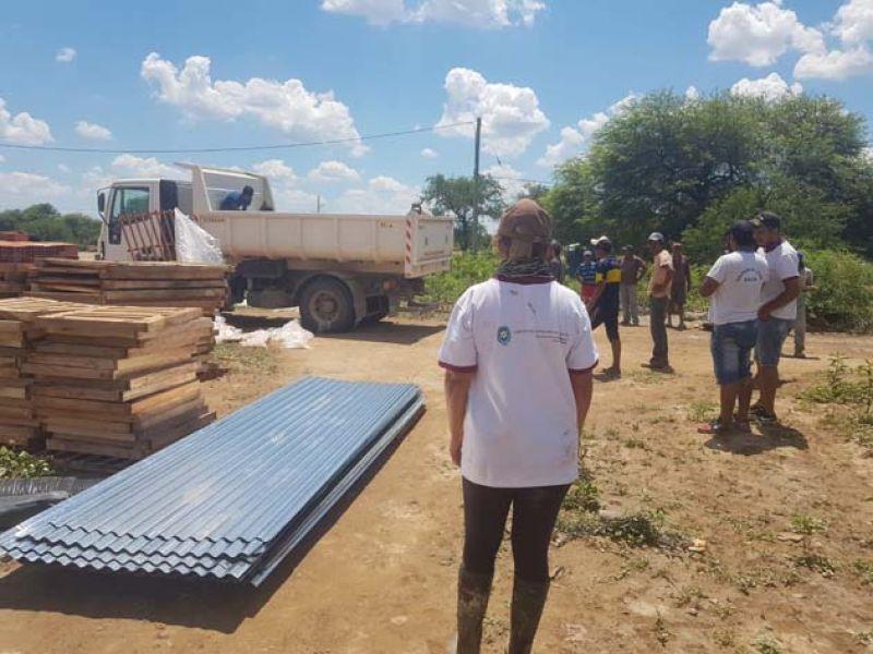 Ayer se entregaron materiales en La Gracia para reconstruir viviendas.