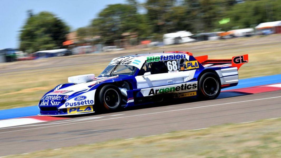 El Ford Falcon de Esteban Cístola, que ayer se quedó con el mejor tiempo en su debut en el TC Pista en Viedma.