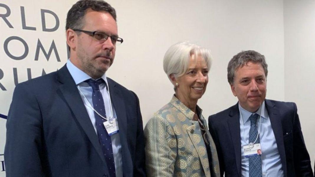 De esta revisión tercera revisión de cuentas del FMI depende el desembolso de 11 mil millones de dólares en marzo.