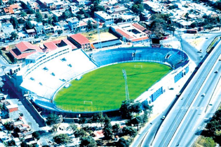 Si se juega en la capital jujeña podrán ir los Santos.