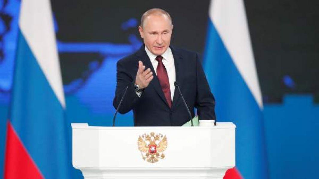 """""""Si los Estados Unidos instala esos misiles cerca de Rusia, Moscú se verá obligada a reaccionar de la misma manera"""", dijo Vladimir Putin."""