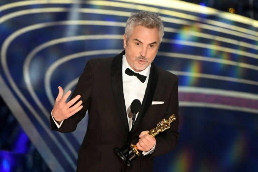 Alfonso Cuaron recibió el Óscar como mejor director y como mejor dirección de fotografía, algo histórico para el Oscar y para México.