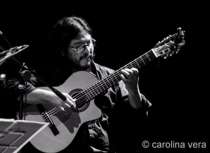 El guitarrista Carlos Vargas uno de los músicos que se presentarán este viernes en el recital por la paz en Venezuela.