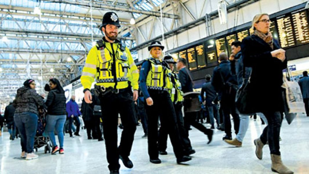 Autoridades de Scotland Yard consideran que hay vinculación en los tres hechos.
