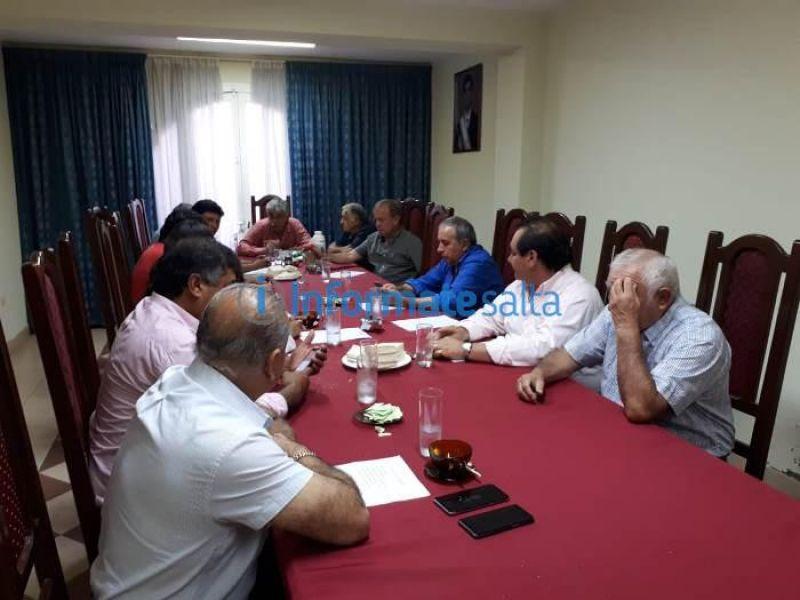 Reunión concretada ayer en el FISa, presidida por el intendente Mario Cuenca. Foto gentileza Informatesalta