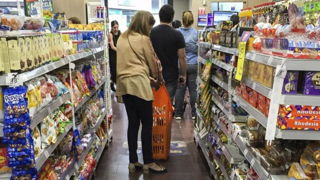 La inflación seguirá elevada en todo 2019, la consultora elaboró una canasta de productos tanto para supermercados minoristas como mayoristas.