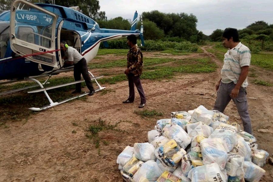 Uno de los vuelos con ayuda social para los afectados.