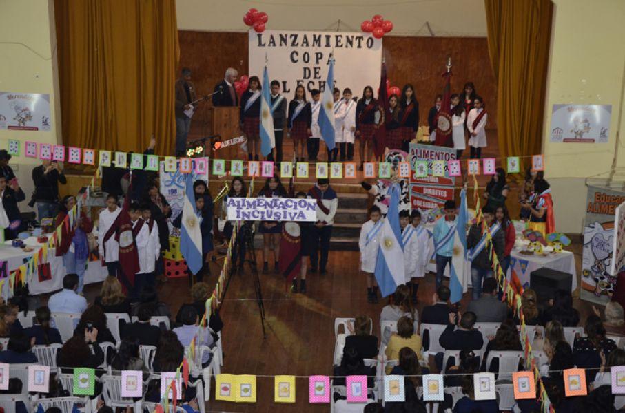 """Ceremonia oficial de lanzamiento de la """"Copa de Leche"""" en Salta, Capital."""