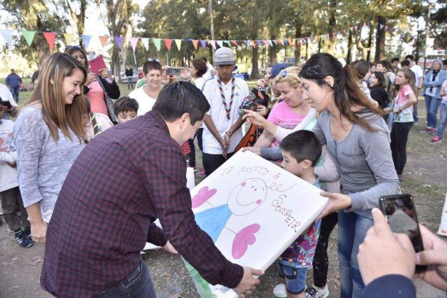 El Día de las buenas acciones consiste en un movimiento global para hacer el bien en una comunidad.