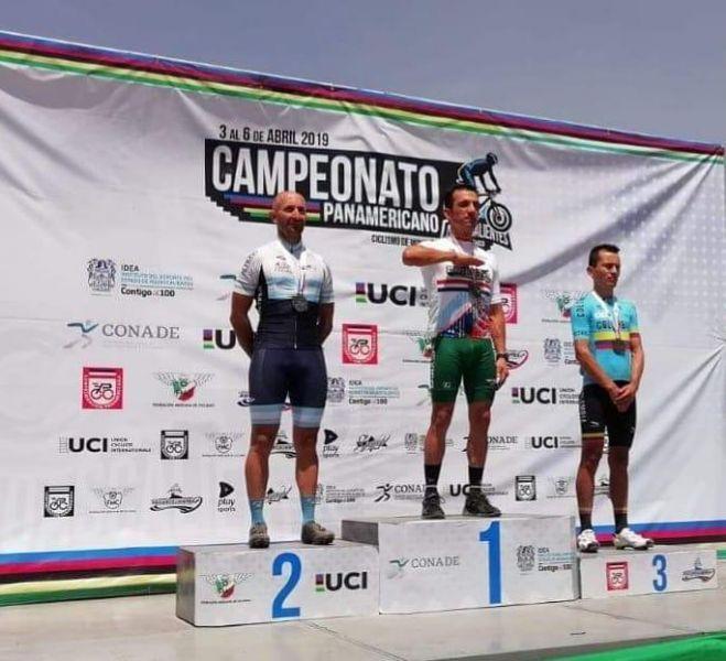 Javier Macías (Izq.) en un nuevo podio Panamericano.