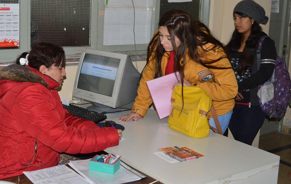 En la Oficina de Empleo de la Municipalidad se recibieron 6595 entrevistas, incluyendo 1813 historias laborales.