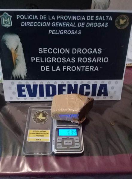 Incautaron dosis de drogas, entre cocaína y marihuana, también dinero en efectivo y elementos de fraccionamiento.