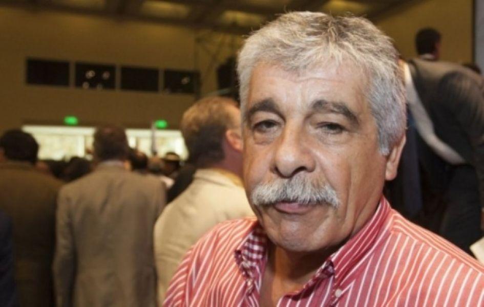 """""""Yo también tengo que devolver algo así como $800 mil. Tenía que cobrar $60 mil y venía cobrando $120 mil"""", dijo el intendente Mario Cuenca."""