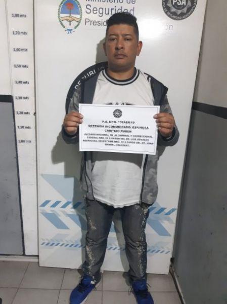 A Cristian Rubén Espinoza, cantante de Yerba Brava, durante el cacheo le encontraron unos 300 gramos de cocaína entre sus ropas.
