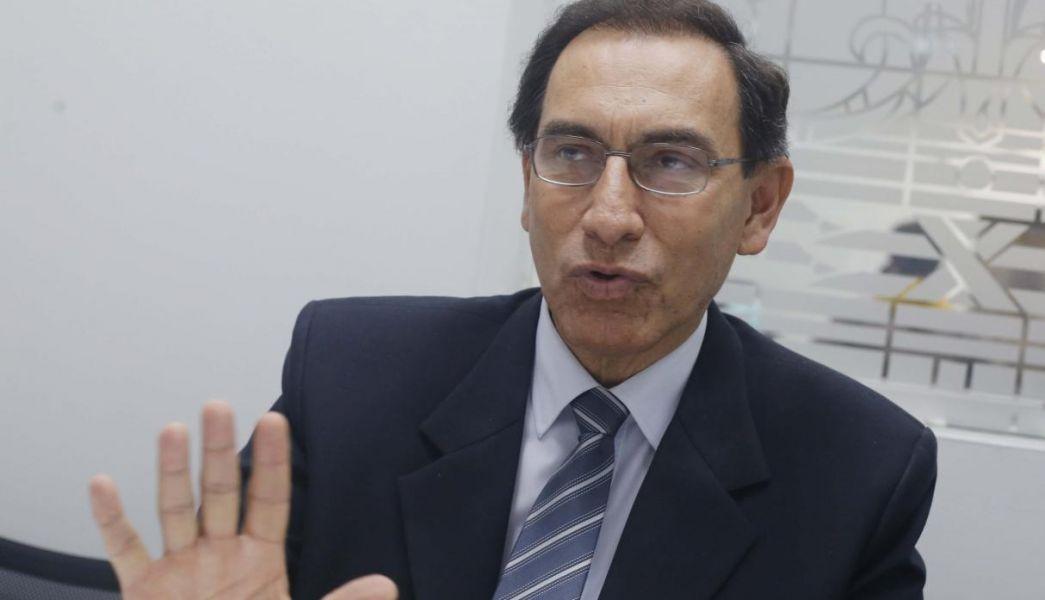 La popularidad de Martín Vizcarra descendió a un 44% en abril frente a marzo, en tanto que la desaprobación a su gestión repuntó 14 puntos.