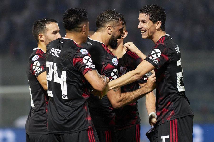 """El """"millonario"""" avanzó a los 16avos de final de la Copa Argentina."""