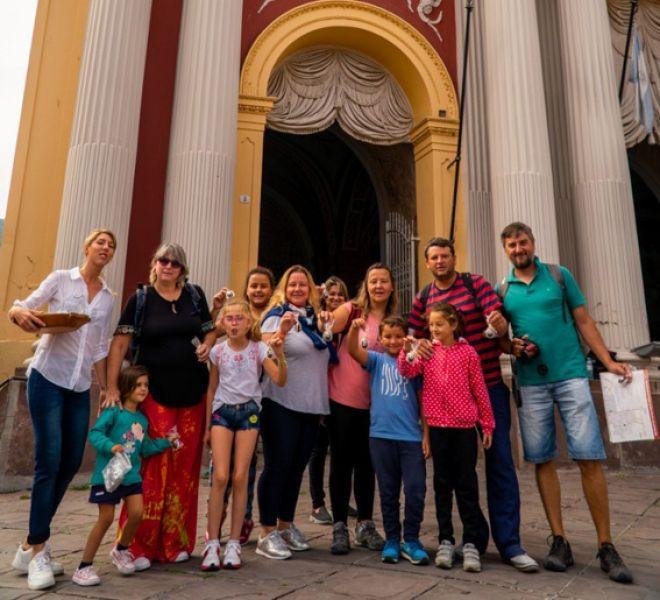 Los turistas siguen siendo seducidos por el patrimonio arquitectónico colonial, lo religioso y los paisajes salteños.